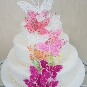 tort nunta fluturi multicolori